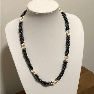 Jewelry - Classy Necklace